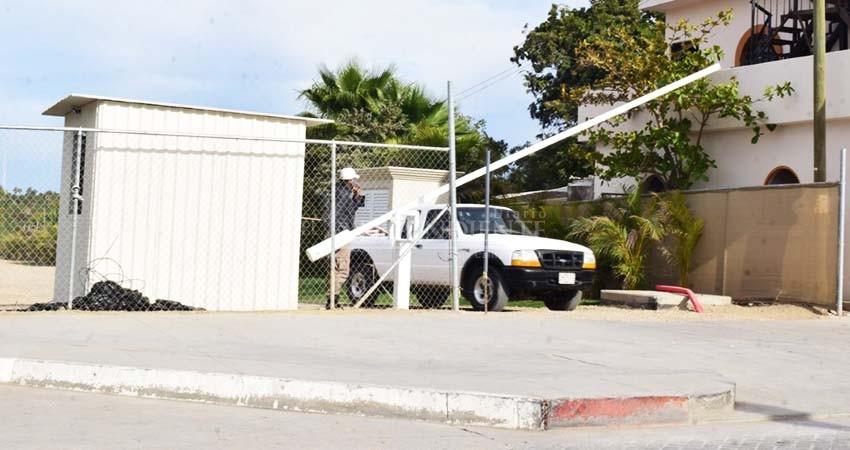 Coppel se habría adueñado de acceso a playa de Todos Santos