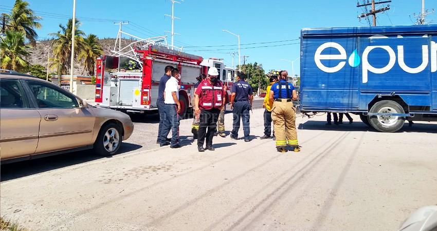Fuga de amoniaco en refresquera moviliza acuerpos de seguridad y emergencia