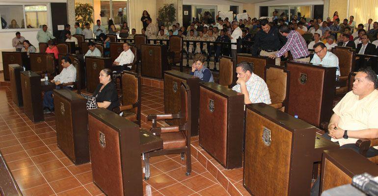 Diputados regresan como candidatos al Congreso del Estado, seguirán cobrando hasta que renuncien