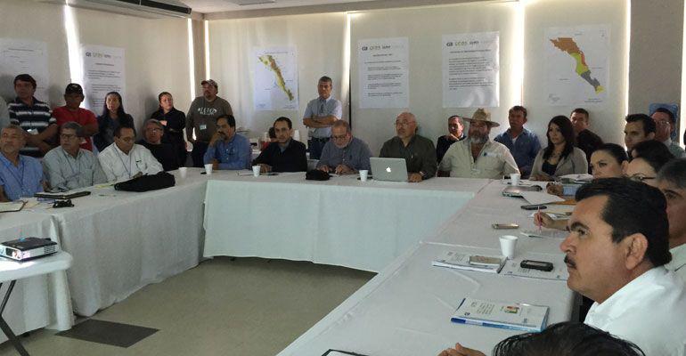 """Sesiona a """"escondidas"""" de productores Coordinación de Desarrollo Sustentable"""
