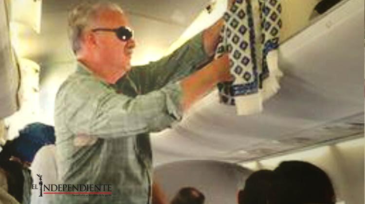 Aplauden pasajeros que el ex gobernador Marcos Covarrubias viaje en ...