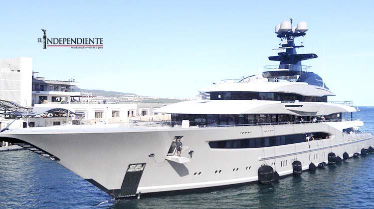 Atraca en Los Cabos el yate más caro y lujoso del mundo
