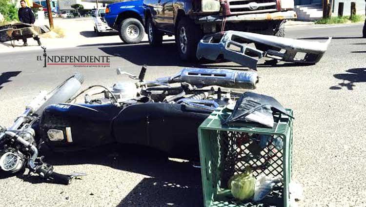 Un motociclista al hospital tras ser arrollado en Jalisco y J. Mújica