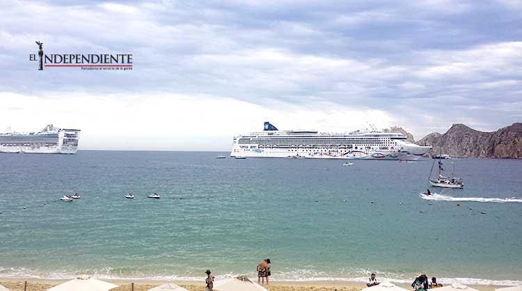 10 mil turistas en el puerto con el triple arribo de cruceros