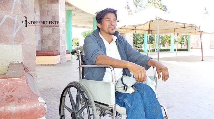 Mi mejor regalo de navidad sería una nueva silla de ruedas: Alfredo