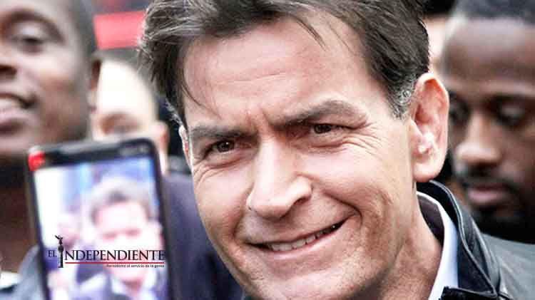 Ex de Charlie Sheen demanda al actor por exponerla al VIH