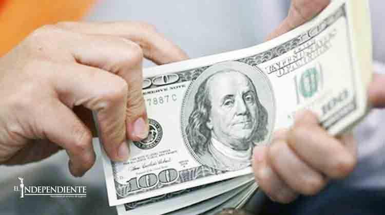 Dólar alcanzó el máximo y se vende en 17.99 pesos