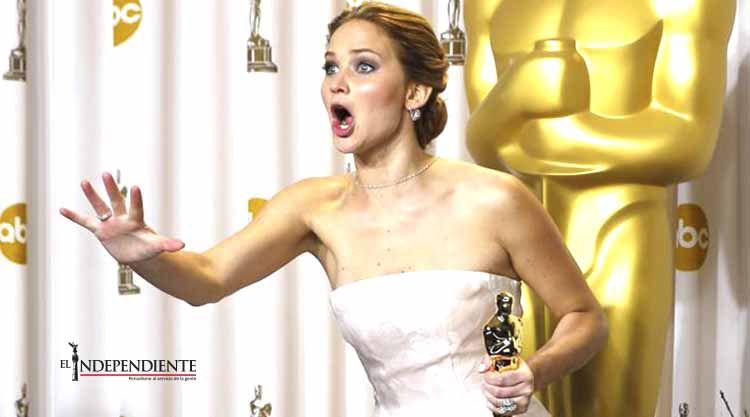Jennifer Lawrence confiesa que fumó mariguana antes del Oscar