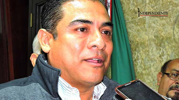 Alcalde en espera de opiniones para evaluar a funcionarios