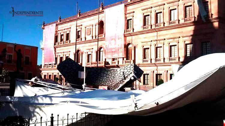 Fuertes vientos afectan viviendas y daña cableado eléctrico en Coahuila