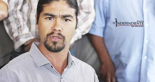 Aparecen denuncias contra el activista John Moreno