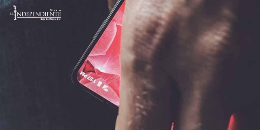 El 'smartphone' sin marco que pretende competir con Apple y Google
