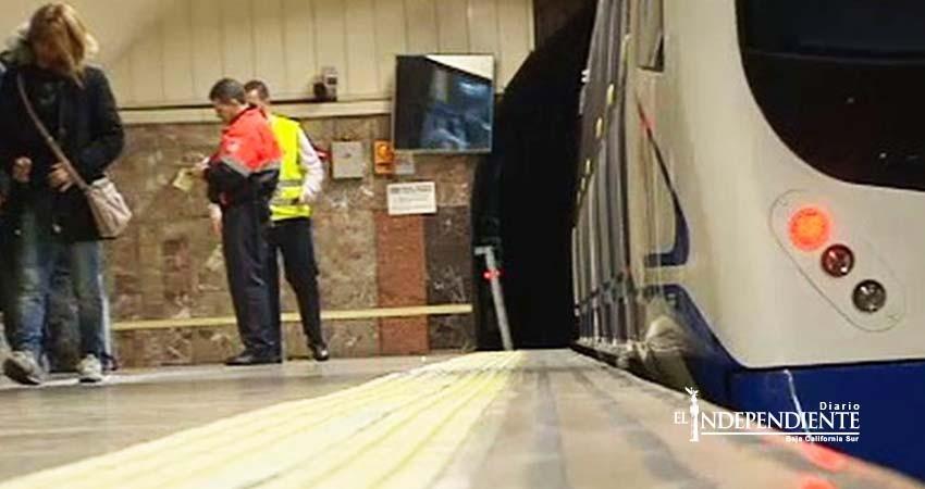 Por jugar entre vagones del Metro adolescente pierde las piernas