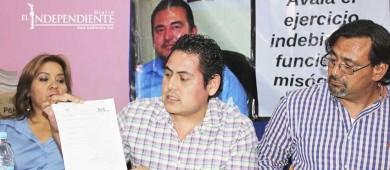Denuncia maestro actos discriminatorios en su contra por parte de autoridades