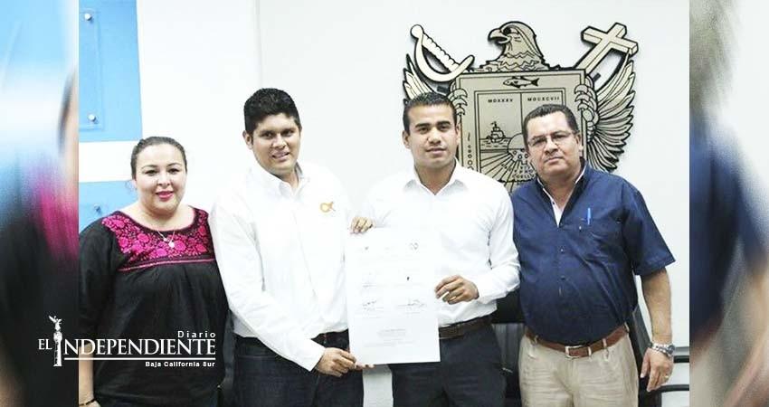 Desconoce alcalde firma de convenio con asociación perteneciente a su hijo