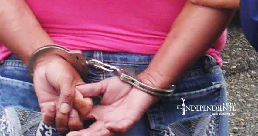 PGR inicia investigación contra una mujer detenida con un arma de fuego