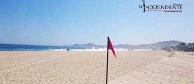 Por alto oleaje, continúa la alerta preventiva en playas de Los Cabos