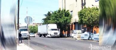 Crece la molestia por camiones de carga en supermercados de La Paz