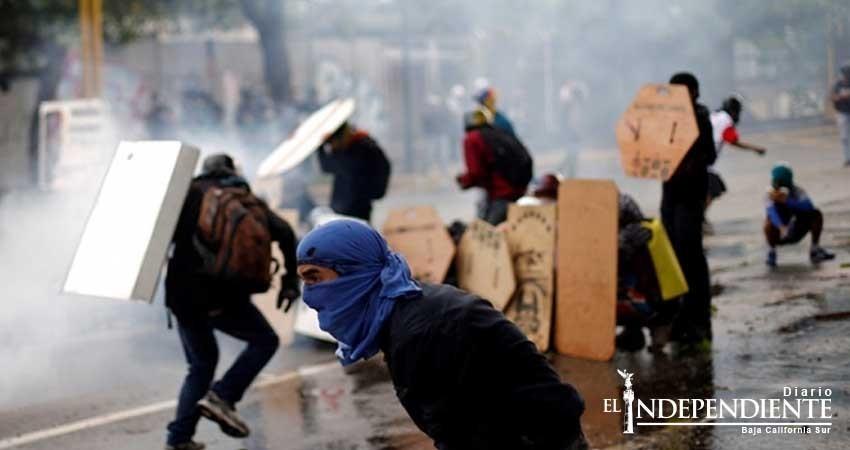 Cancillería pide a mexicanos no viajar a Venezuela