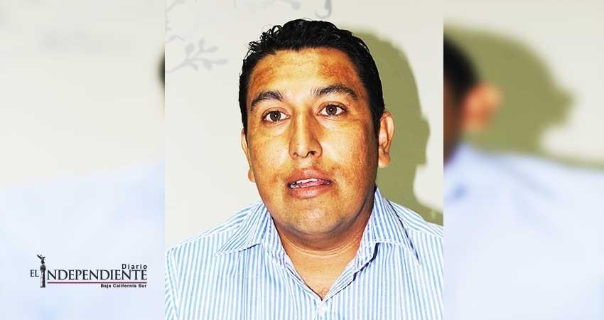 Ediles utilizan vehículos oficiales para uso personal, acusa regidor Savin Ruiz