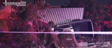 Conductor muere aplastado por su vehículo tras chocar contra una casa