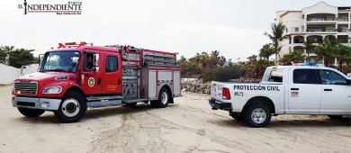 Rescatan a hombre alcoholizado que se introdujo a una playa de SJC