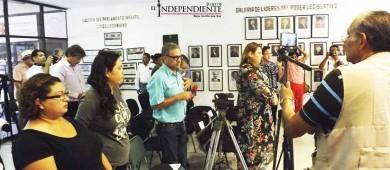Guardan un minuto de silencio en Congreso en honor a Aracely Hernández
