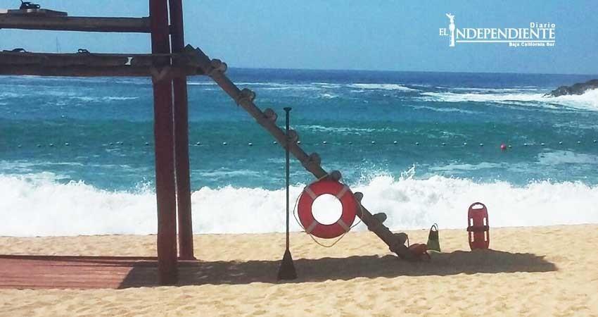 Por alto oleaje, continúa alerta en playas de Los Cabos