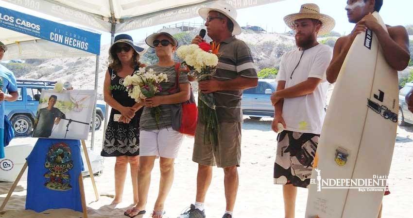 Surfos dedican cierre de circuito estatal a la memoria de Jonathan Pedrín