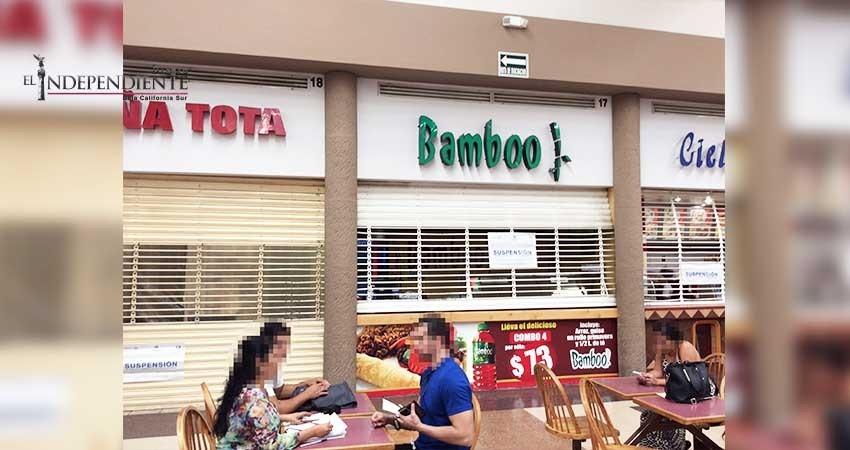 Clausuran establecimientos de comida rápida en Plaza La Paz