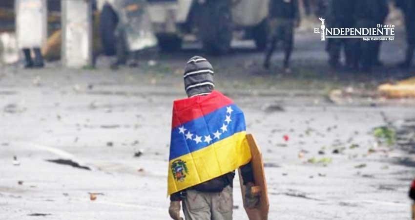 Tras 25 años, Venezuela late expectante a un golpe de Estado