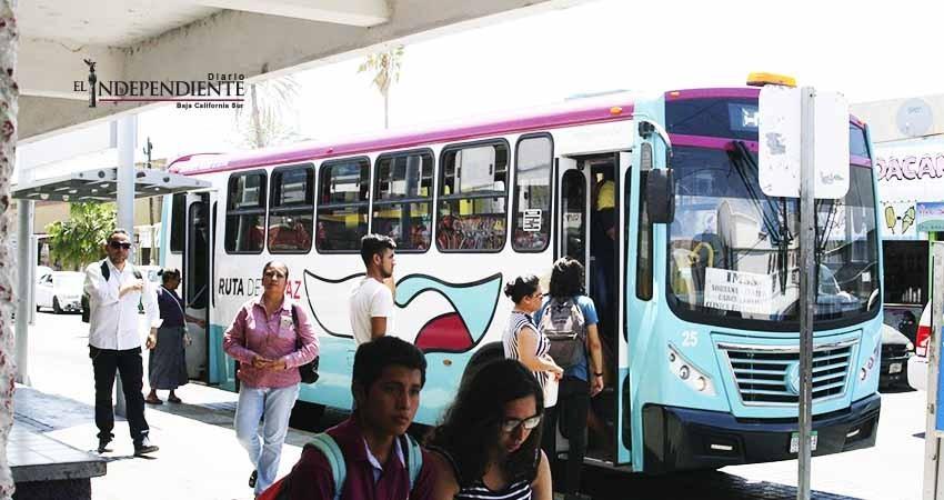 Hay funcionarios y familiares con concesiones de transporte público: Regidor