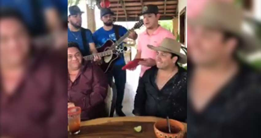 Julión Álvarez le canta a su 'destino' tras acusaciones