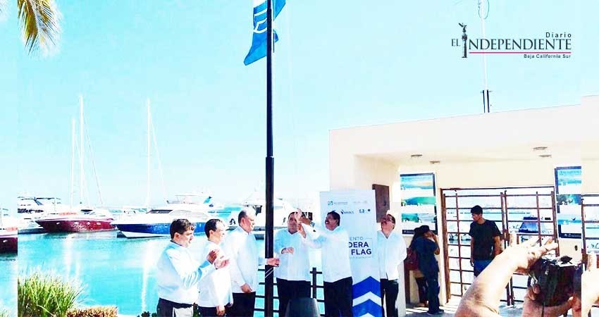 Recibe Marina Cortez distintivo Blue Flag