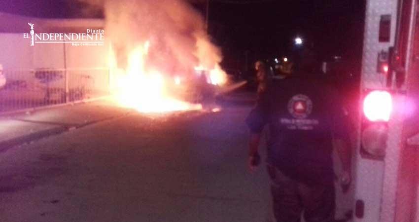 ¡Madrugada en llamas! cinco incendios de vehículo casi simultáneos en SJC