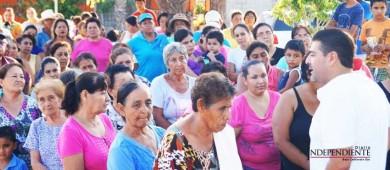 Se entregan apoyos a quienes lo necesitan en BCS: Valdivia Alvarado