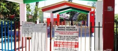 Bajo protesta de padres de familia  reanudan actividades en el jardín Marcelo Rubio