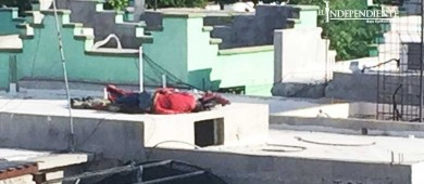 Ejecutan a dos personas en el techo de su casa en la Lázaro Cárdenas