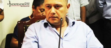 Regidor Gómez Montoya acusa de incumplir el reglamento a la regidora Díaz Guzmán
