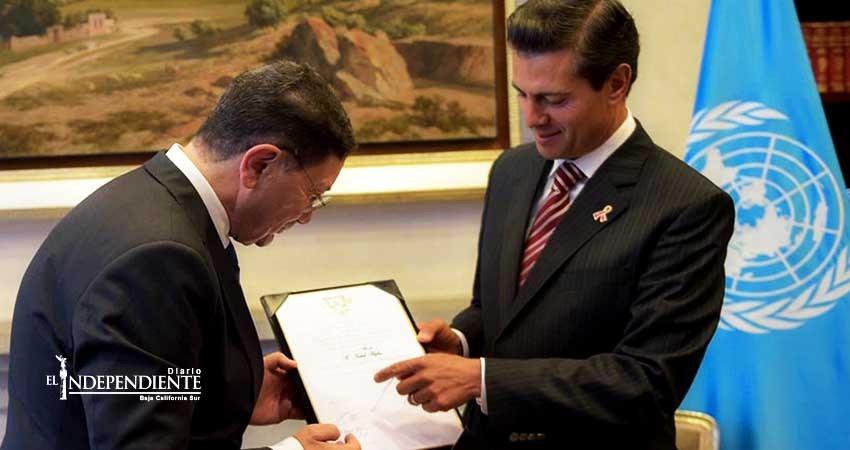 México condecora al titular de la Organización Mundial de Turismo