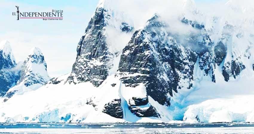 Cañones de agua bajo la Antártida contribuyen a su deshielo