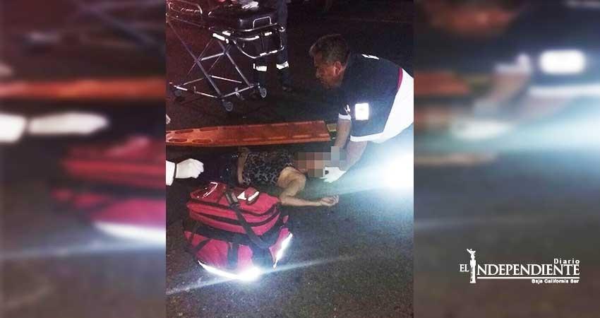 Atropellan a pareja en las afueras de un bar en SJC; la mujer murió