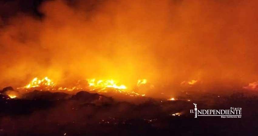 Arde en llamas relleno sanitario de Miraflores