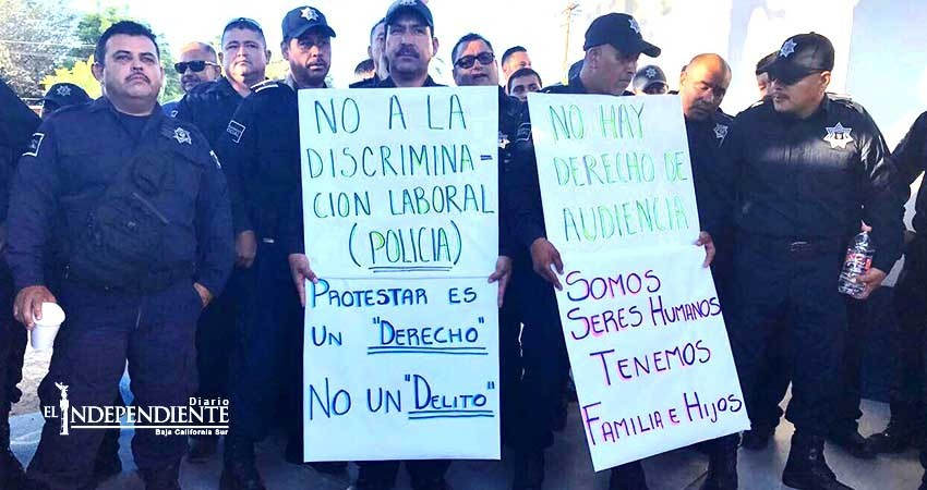 Protestan agentes municipales por depuración policiaca