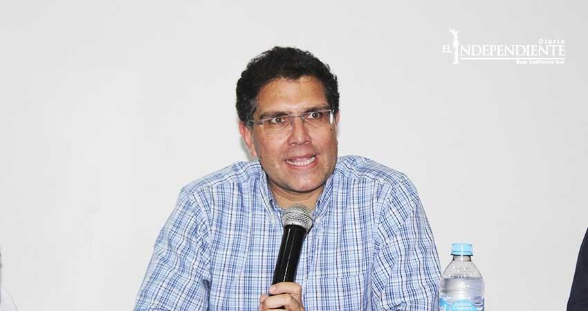 Armando Ríos Piter solicita licencia en el Senado
