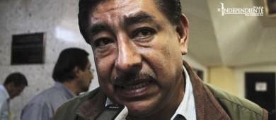 """Secretario de Educación se dice """"tranquilo"""" ante investigación por doble plaza"""