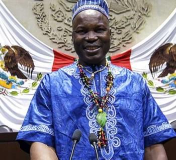 Príncipe de Camerún cancela visita a La Paz por ola de violencia