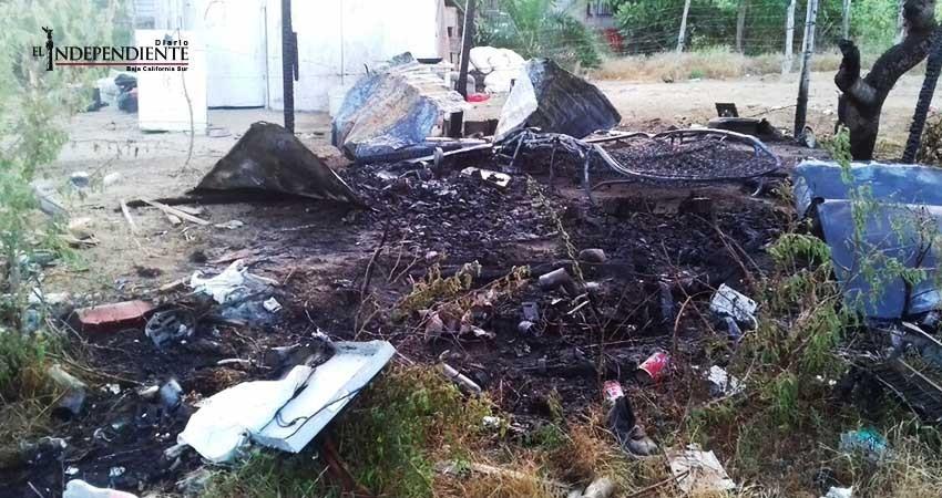 Incendio arrasa con vivienda en la colonia Vista Hermosa