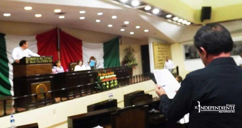 Entre acusaciones diputados locales aprueban Ley de Ingreso La Paz 2018