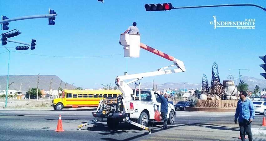 Para tener vialidades ágiles y seguras instalan semáforos inteligentes en La Paz